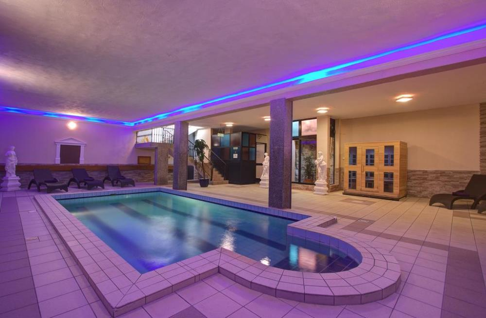 indoor pool3