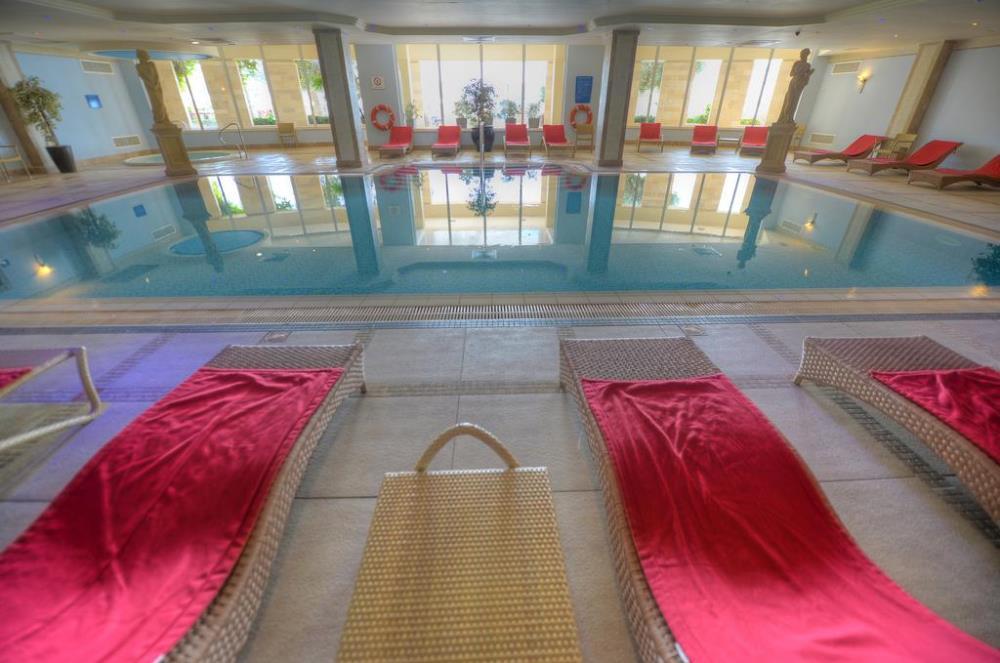 indoor pool4