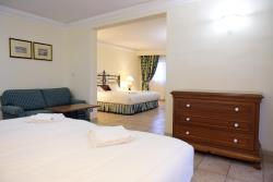 Deluxe Family Suite2