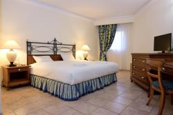 Deluxe Family Suite4