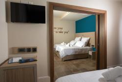Deluxe Triple Room2