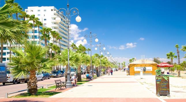 Foinikoudes Promenade